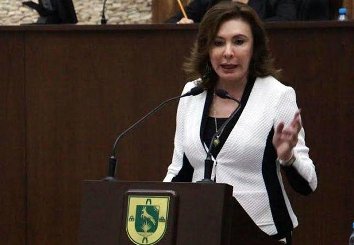 La diputada Beatriz Zavala Peniche cuestionó lo expuesto por el Gobierno estatal sobre la presunta inversión del 68 por ciento de su presupuesto en desarrollo social. (Milenio Novedades)