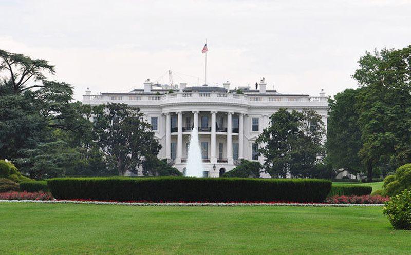 Autoridades arrestan a persona armada cerca de la Casa Blanca