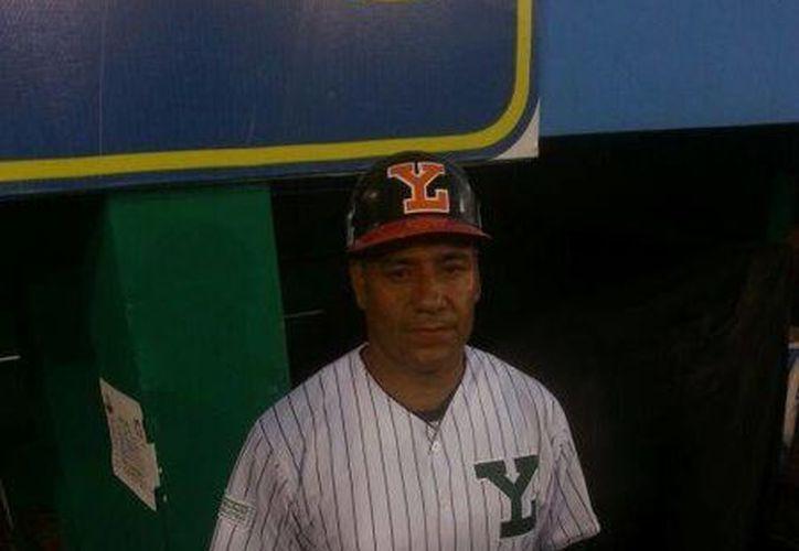 Ya trabaje con 'Chico' Rodríguez siendo él mánager, con Miguel Ojeda, y ahora lo haré con Willy, expresó Matías Carrillo, quien aparece en la foto. (William Sierra/Milenio Novedades)
