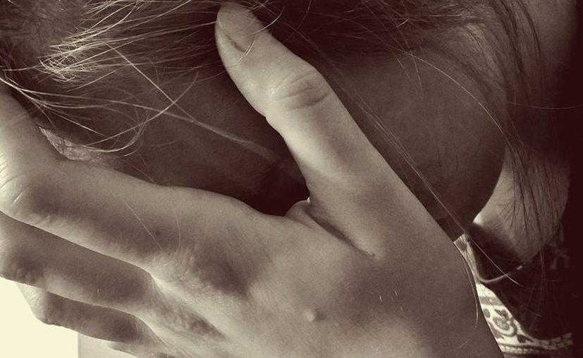 Cuando la policía acudió al lugar, sólo encontró el cuerpo calcinado de la joven de 15 años. (Pixabay/ Imagen ilustrativa)