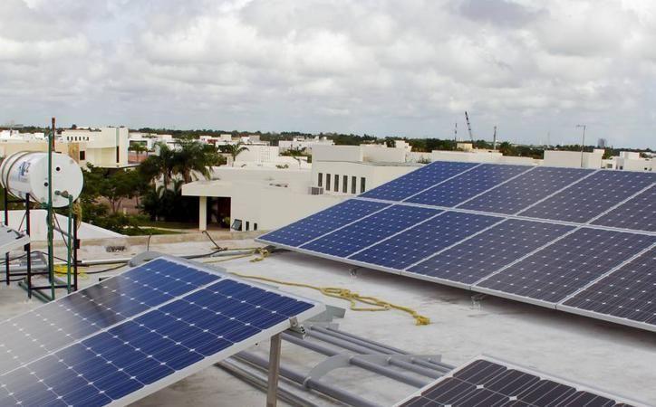 Las celdas solares que científicos fabricaron en Yucatán son más eficientes en la generación de energía que las armadas en China, según una investigación del Cinvestav Mérida. (Archivo/SIPSE)