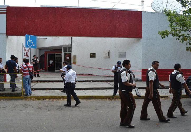 El cajero se encuentra sobre la avenida Hidalgo entre Colón de la colonia centro en Chetumal. (Harold Alcocer/SIPSE)