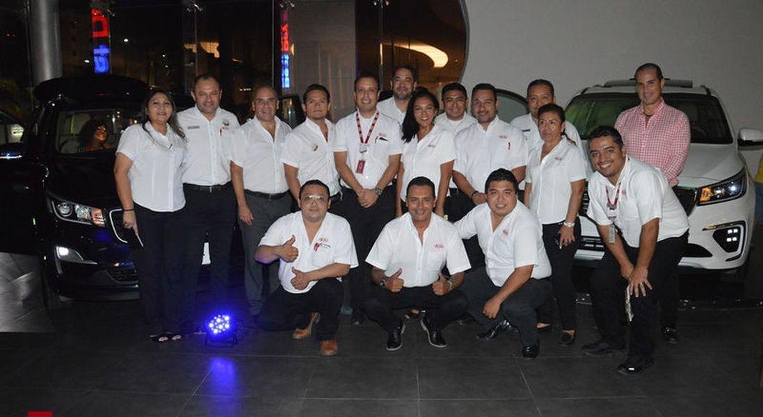 KIA Motors Cancún, presentan nueva minivan Sedona 2019