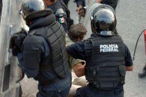 Desalojan sin violencia a maestros de Guerrero