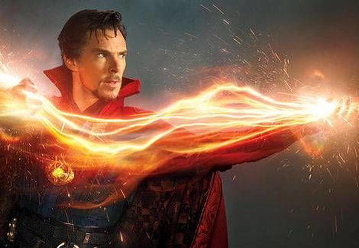 El actor Benedict Cumberbatch da vida al <i>Doctor Strange</i>, nueva cinta de Marvel Studios. La revista Entertainment Weekly dio a conocer las primeras imágenes del actor en su caracterización del superhéroe. (Milenio Digital)