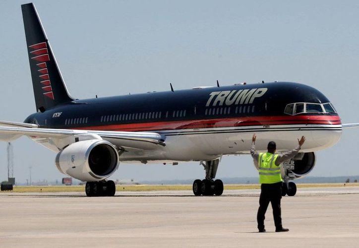 La parte delantera del avión está equipada con una cabina de pilotaje de cristal. (Business Insider)
