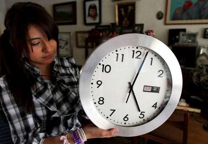A las 02:00 horas de este domingo 7 de abril inició el Horario de Verano 2013. Ponga a tiempo su reloj. (Notimex)