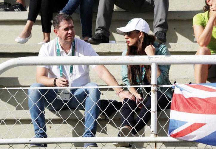 Alfredo Castillo Cervantes y su novia en uno de los eventos de los Juegos Olímpicos Río 2016. (yahoo.com)