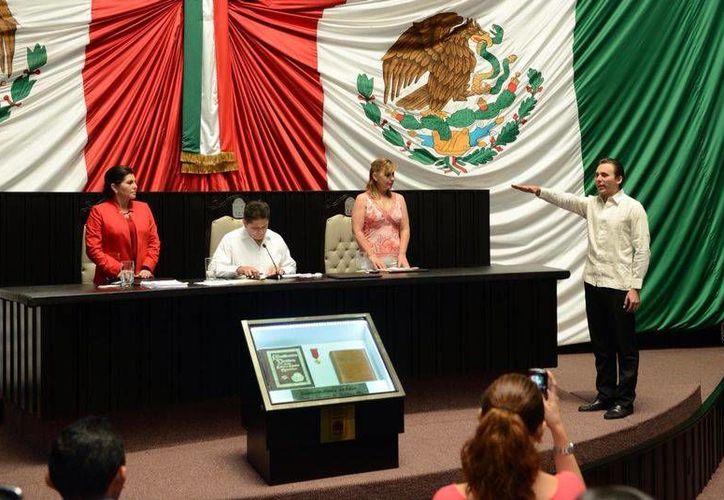 Harley Sosa Guillén, rindió protesta ante la XIV Legislatura. (Benjamín Pat/SIPSE)