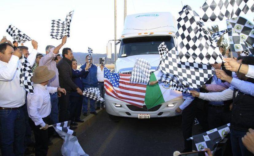 Imagen del primer embarque de aguacate que salió de Jalisco a Estados Unidos, hace unos días. (@JaliscoSEDER)