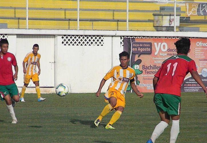 Ricardo Torres es el que más minutos ha defendido la playera esta temporada. (Ángel Mazariego/SIPSE)