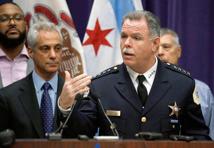 El superintendente de policía de Chicago, Gary McCarthy, despedido el 1 de diciembre de 2015 por el alcalde Rahm Emanuel, por considerar que la confianza pública a la policía se había erosionado. (Foto archivo AP/Charles Rex Arbogast)