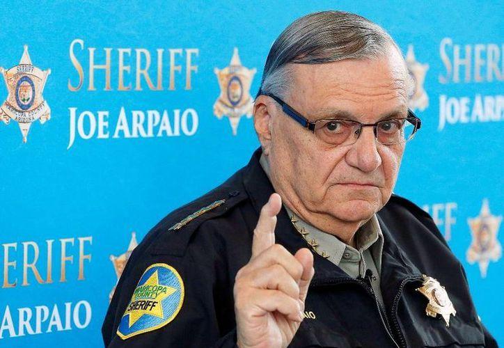 Joe Arpaio propuso la creación de un fondo de 350,000 dólares para compensar a los afectados por su política antimigrante. (AP)