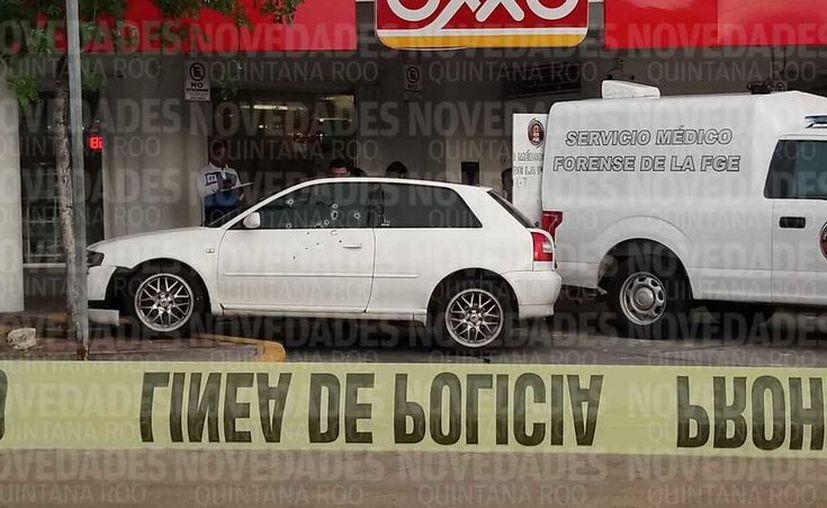 Unos sujetos armados rafaguearon a un hombre mientras conducía un vehículo. (Eric Galindo/SIPSE)