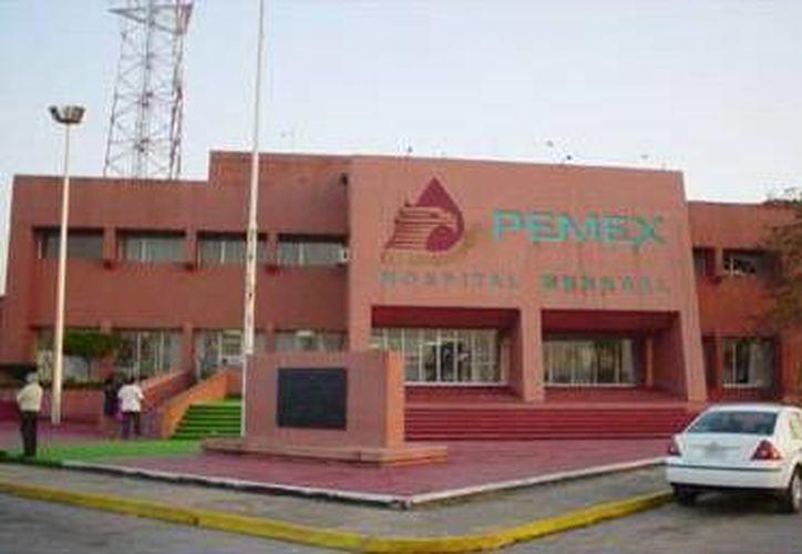 Cuatro personas de terapia intensiva también tuvieron que ser trasladadas. (www.serviciosmedicos.pemex.com)
