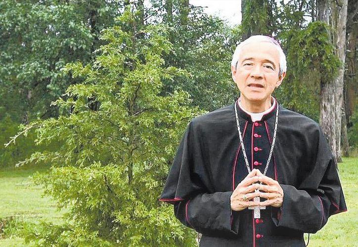 El obispo yucateco Jorge Carlos Patrón Wong, quien tiene 5 mil 800 seguidores en Twitter, partirá este jueves a la Santa Sede. (Milenio Novedades)