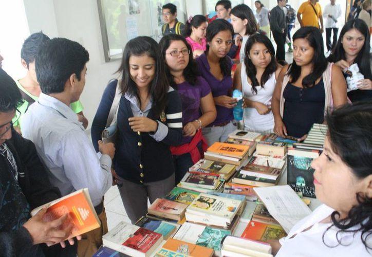 Cada semana se lleva a una universidad o preparatoria diferente el programa. (Loana Segovia/SIPSE)