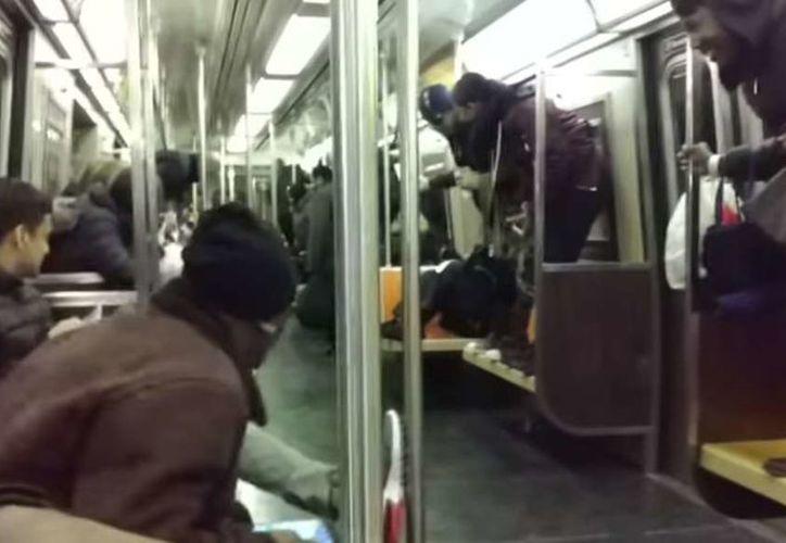 El momento fue tomado en video por una de las pasajeras. (Foto: El Diario)