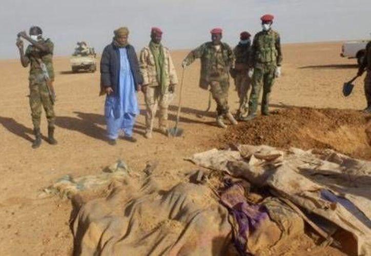 Autoridades reportaron el hallazgo de 30 cuerpos en el desierto de Sahara en Níger.  Imagen de contexto. (Archivo/AP)