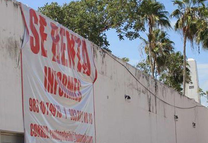 Alrededor de 80 millones de pesos anuales representa el negocio de renta de casas para oficina. (Harold Alcocer/SIPSE)