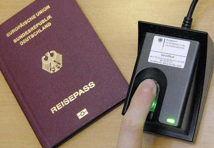 La reforma legal que permite el 'tercer género' implicará cambio en toda la documentación legal que expide el Estado alemán, como los pasaportes. (spanien.diplo.de)