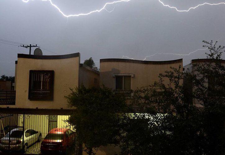 Hay aviso de tormentas fuertes en estados como Michoacán, Guerrero y Chiapas. (Notimex)