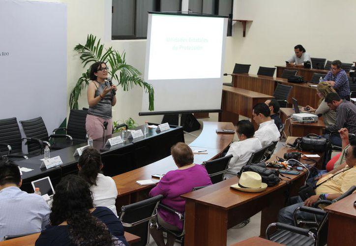 Giovana Galindo, directora general adjunta, señala que el objetivo es la cooperación entre la federación y las entidades. (Joel Zamora/SIPSE)
