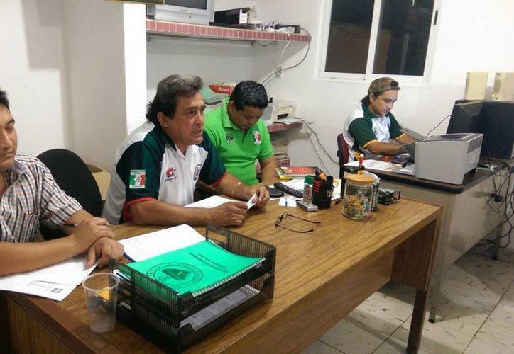 Autoridades de la Primera Fuerza Estatal dieron a conocer la suspensión del entrenador Fernando García Bolio. (SIPSE)