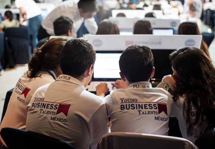 Son 221 centros educativos de los 32 estados del país los que participan en el Young Business Talents México. (Foto cortesía)