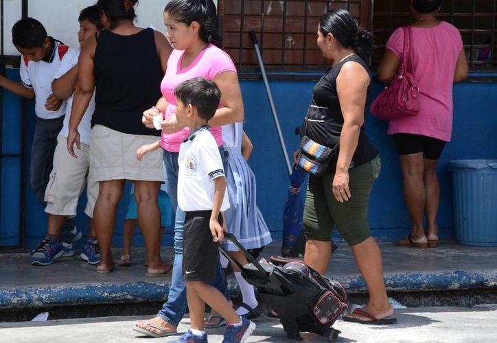 Se impartirán las pláticas a alrededor de mil 100 padres de familia. (Victoria González/SIPSE)