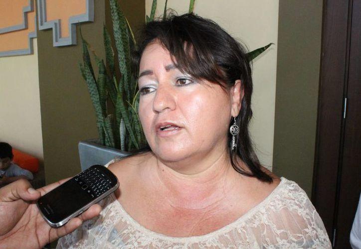 Lupita Sifri anuncia organizar una asociación que proteja a terapeutas despedidos. (Loana Segovia/SIPSE)