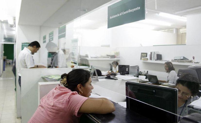 Prácticamente todos los alcaldes de Yucatán acumulan una deuda en pago de un impuesto estatal que dejará al Gobierno con un enorme boquete financiero: 900 mdp no llegarán a las arcas públicas. La imagen está utilizada sólo como contexto. (Milenio Novedades/Archivo)