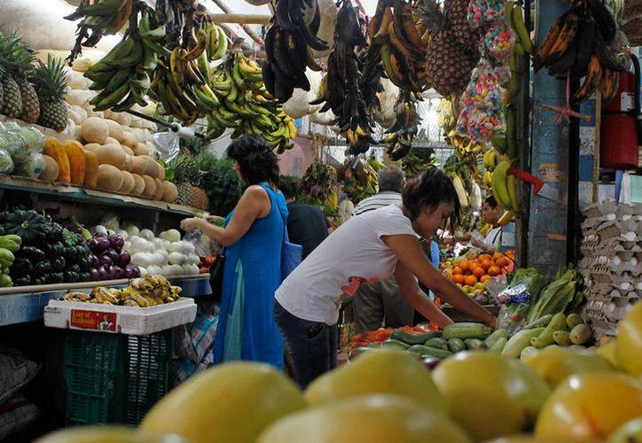 Hasta mayo de este año, la inflación se encontraba en 4.51%, lo que afecta el poder adquisitivo de la ciudadanía. (Jesús Tijerina/SIPSE)