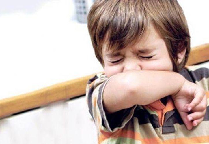 Se recomienda no automedicar a los niños y en cuanto presenten síntomas, acudir inmediatamente con un especialista. (Contexto/SIPSE)