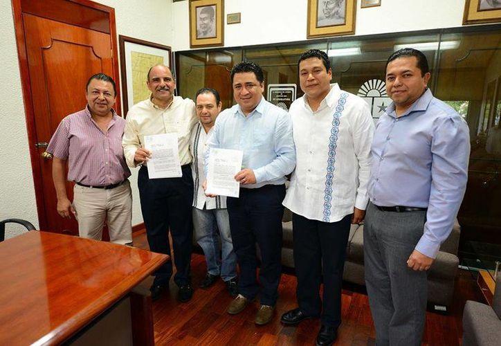 Fernando Zelaya Espinozaconfirmó que este miércoles recibieron la iniciativa del Gobierno del Estado. (Facebook: Congreso de Quintana Roo)
