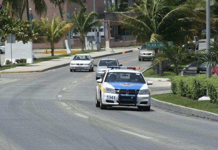 Los patrullajes han sido más intensos desde el pasado lunes. (Jesús Tijerina/SIPSE)