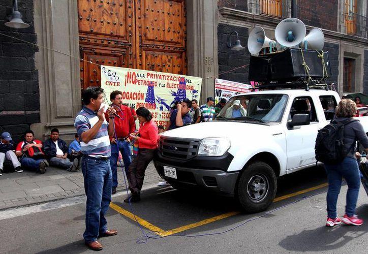 Durante la jornada de lucha, los maestros realizarán protestas callejeras, toma de casetas, de tiendas trasnacionales y gasolineras. (Archivo/Notimex)