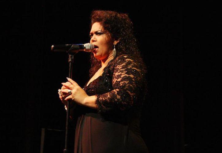 Marilú Basulto es una de las voces que esta noche presentarán 'Aires yucatecos' en el marco de la Primavera Cultural 2016. (Milenio Novedades)