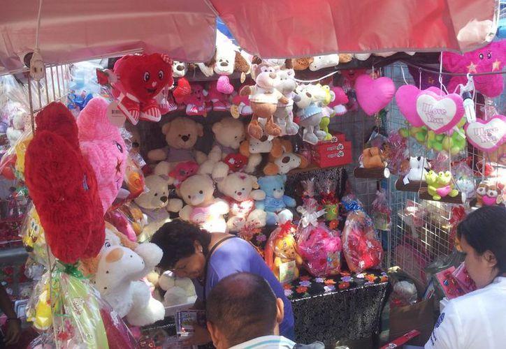 En esta ocasión, el número de vendedores se duplicó, principalmente en los alrededores de los mercados Lucas de Gálvez y San Benito. (SIPSE.com)