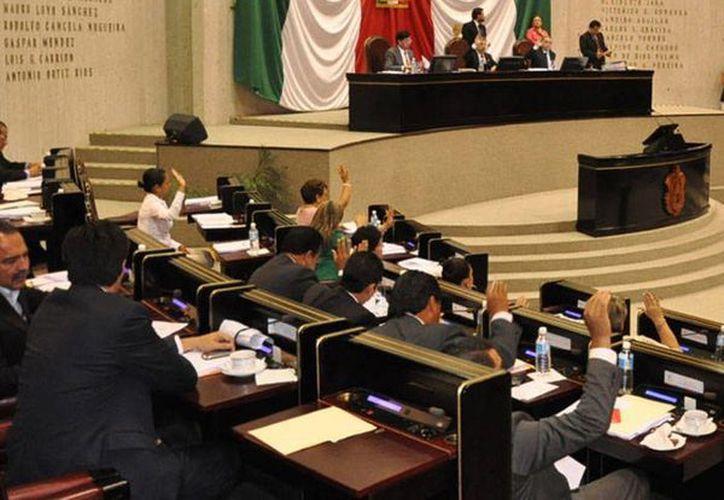 El Congreso de Veracruz aprobó este jueves 21 de enero una reforma al artículo 4 de la Constitución estatal, con lo cual quedó protegido el derecho a la vida del ser humano. (vanguardia.com.mx)