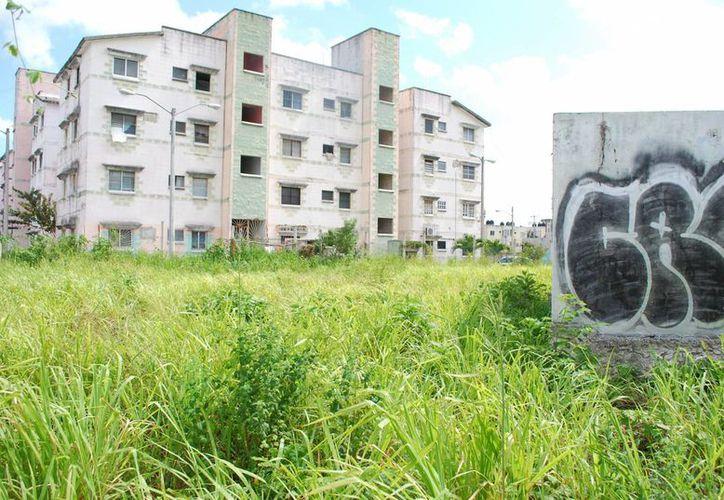 El subsidio de vivienda para este años es de cinco mil 700 millones de pesos, de los cuales el 50 por ciento es para la construcción de casas verticales. (Tomás Álvarez/SIPSE)