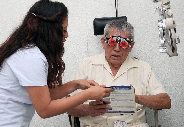 Cinco adultos mayores en abandono podrán ser operados de cataratas con apoyo del DIF de Mérida, la asociación civil Hombre en el Espejo y el albergue Ciudad Vicentina. (Foto cortesía del Ayuntamiento de Mérida)