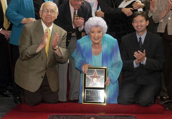 La actriz, fallecida el domingo pasado, develó en octubre de 2003 su estrella en el Paseo de la fama de Hollywood. (Agencias)