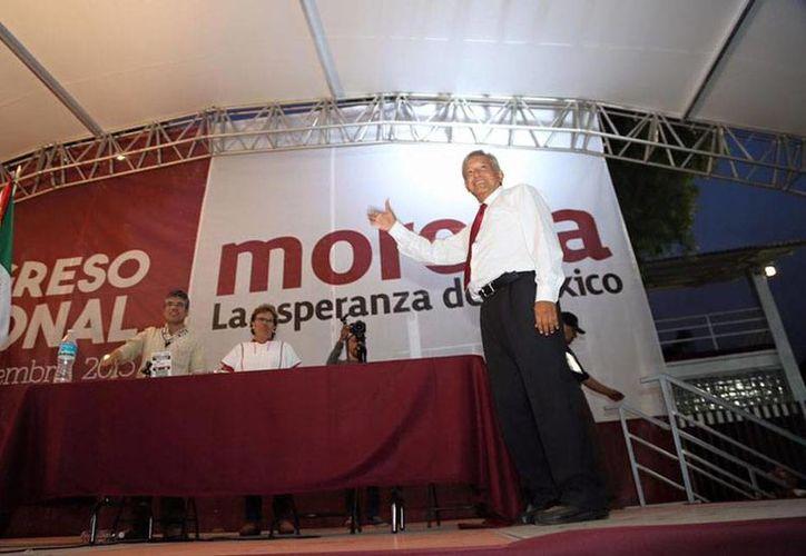 Andrés Manuel López Obrador ya es oficialmente presidente de Movimiento Regeneración Nacional (Morena), un partido que él fundó. (Facebook/lopezobrador.org)