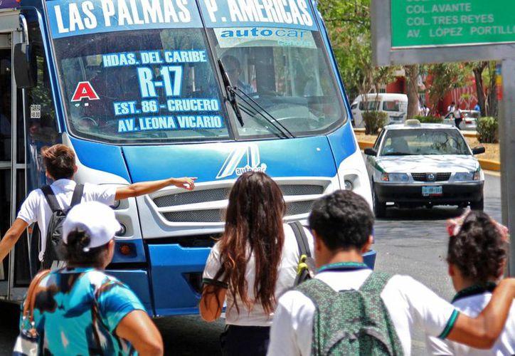 La seguridad de los pasajeros se ha visto afectada con tanto choque que se registra en la ciudad. (Jesús Tijerina/SIPSE)