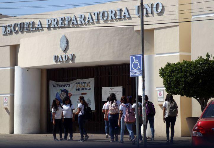 Los jóvenes interesados deberán seguir todo un proceso hasta llegar al examen de admisión. (Jorge Acosta/Novedades Yucatán)