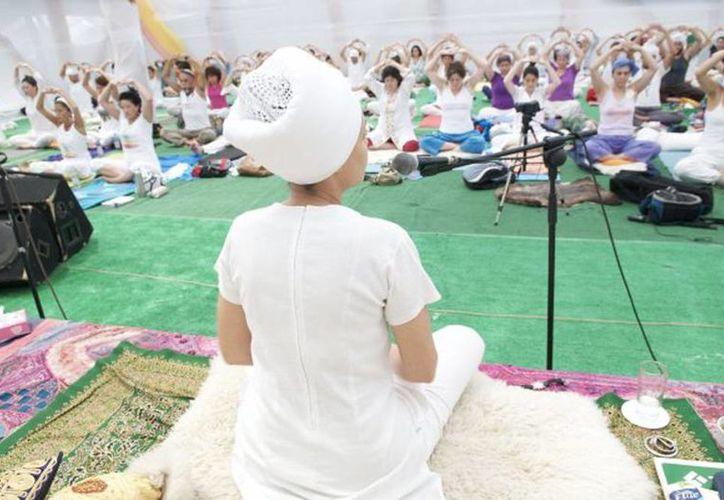 """Hari Nam Kaurn Khalsa, de 61 años, es conocida por ser la máxima exponente de Kundalini Yoga en Chile y un referente para  todos los profesores de esta disciplina. (Facebook Escuela de Kundalini Yoga de Chile """"Hari Nam"""")"""