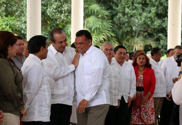El gobernador Rolando Zapata presidirá este miércoles la presentación de un libro. (Jorge Acosta/SIPSE)