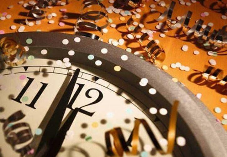 Cierto o no, los rituales que se hacen durante el fin de año ayudan a tener un poco de esperanza de que el próximo año será mejor que el anterior. (segundoasegundo.com)