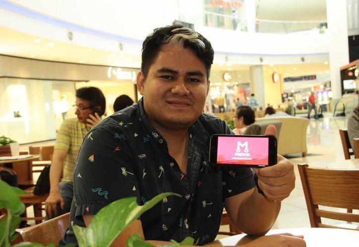 El joven yucateco Alberto Ceballos Villanueva fundó mienvío.mx, una plataforma web que resuelve logísticas de paquetería para empresas y particulares. (Jorge Acosta/SIPSE)